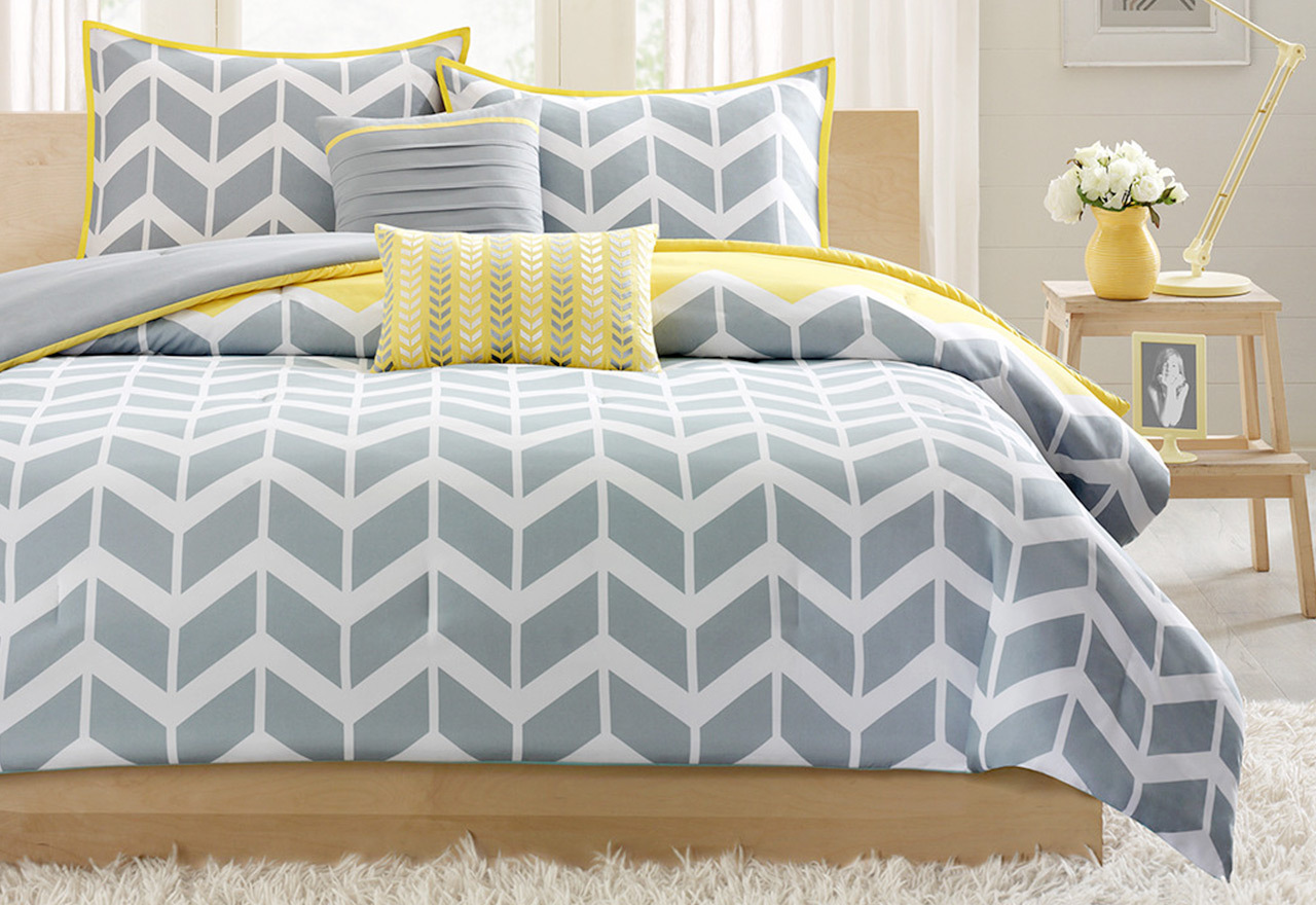 Cover Story: Patterned Bedding