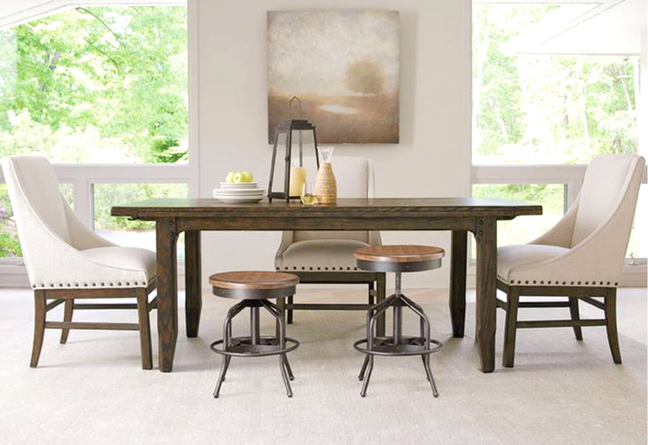 Natural + Neutral Dining