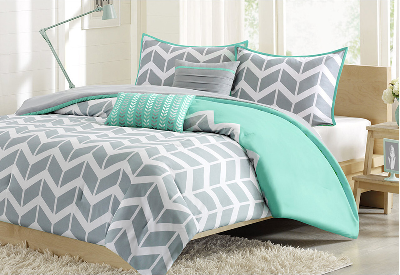 Look We Love: Chevron Bedding